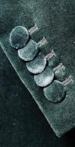 Dames smoking jasje gemaakt in groen met stofbeklede knopen